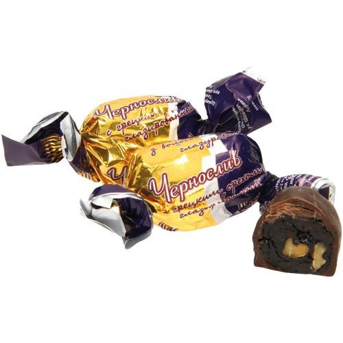 Конфеты Чернослив с грецким орехом/ Bonboni Suhe slive z orehi.
