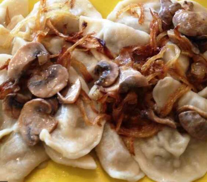 Vareniki s krompirjem in gobani RUSKA KUHARICA
