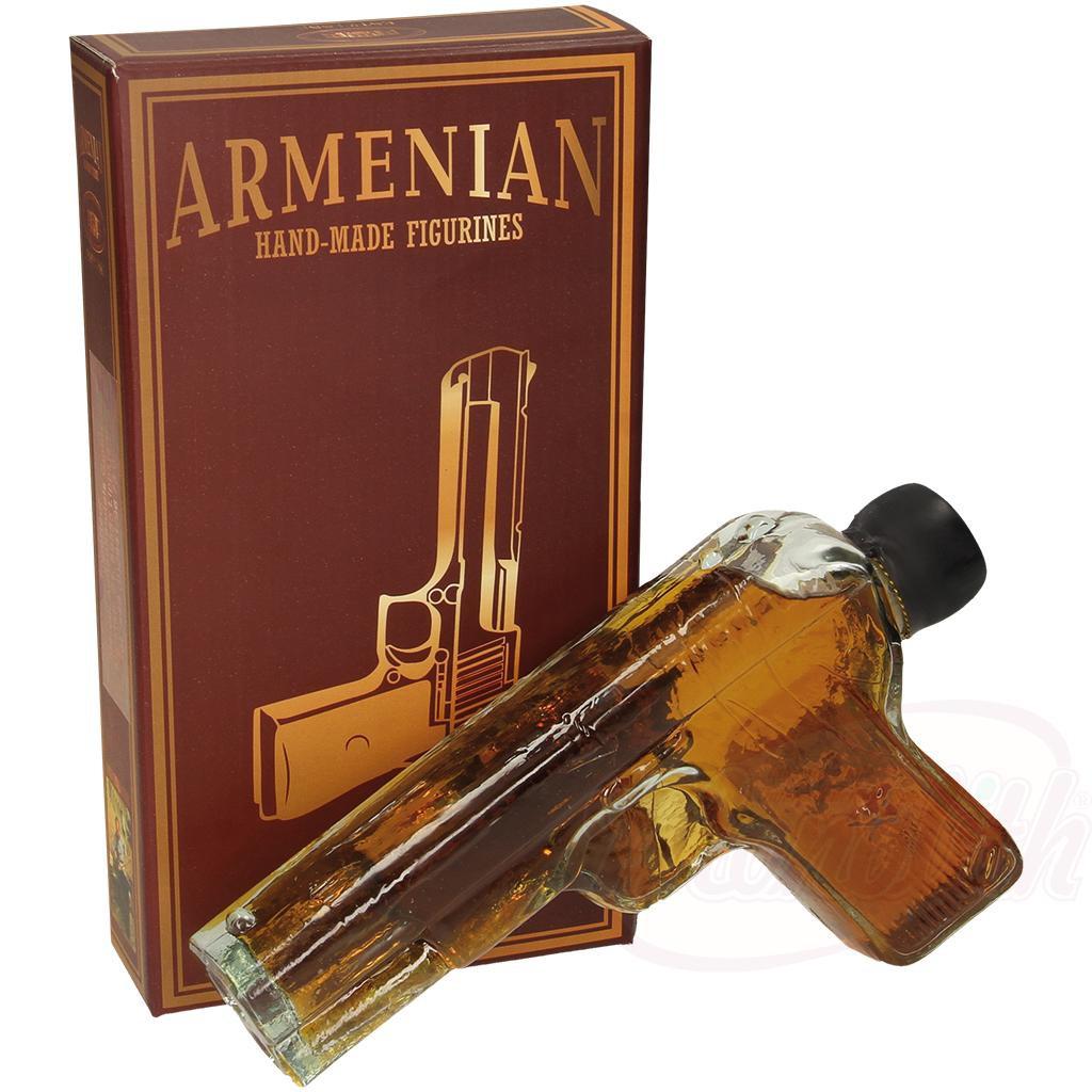 "Armensko brandy ""PISTOL"" v darilni škatli/Армянский коньяк ""ПИСТОЛЕТ"" в подарочной коробке"
